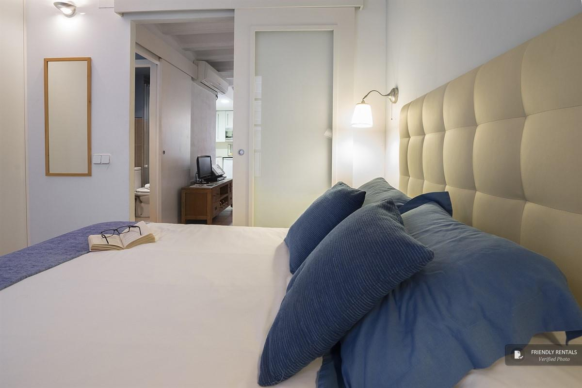 The Hopper IV apartment in Barcelona