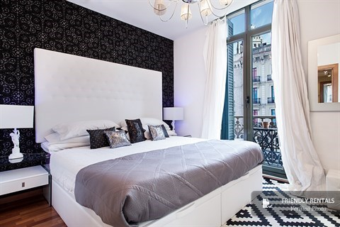 The Banderas Apartment in Barcelona