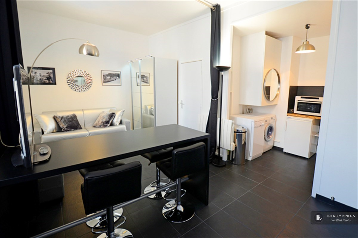 Het Silver Black Appartement in Paris