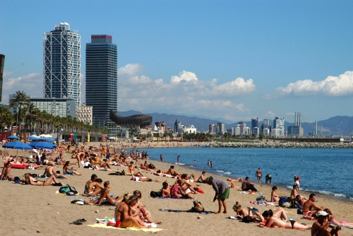 New municipal regulation passed prohibiting wandering around the streets of Barcelona in a bathing suit or the nude