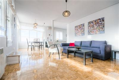 Friendly Rentals apartment  in Madrid: the Palacio Real IV