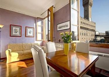 Apartment of the week in Florence, the Perseo