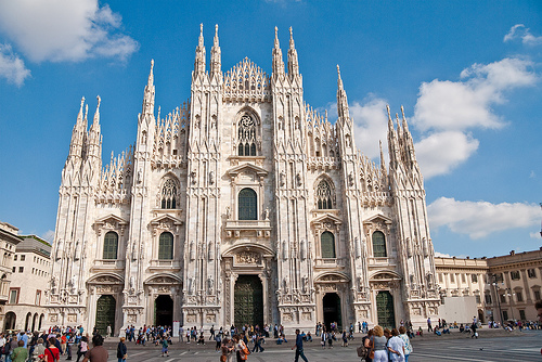 Tourist guide to Milan