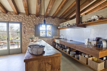 Comfort I, A country house on the Costa Brava