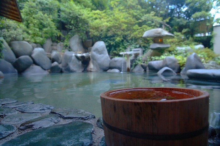 Tips for enjoying yourself at an onsen, a Japanese hot spring