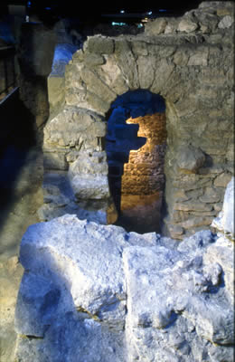 Archaeological Crypt of Notre Dame in Paris: Gallo-Roman settlements and artefacts