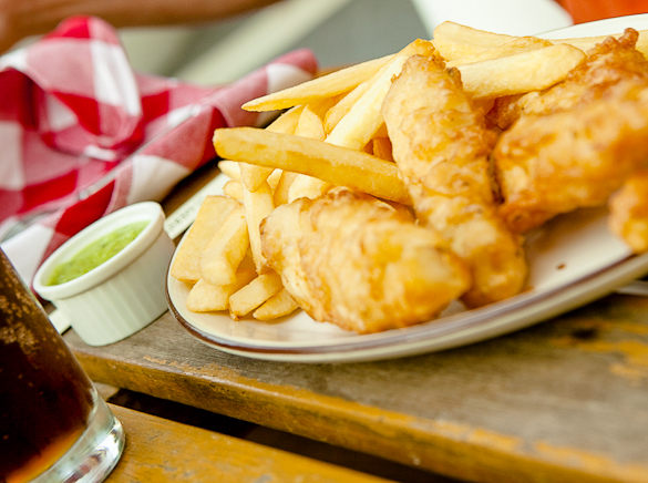 typical dishes from London: Fish & Chips