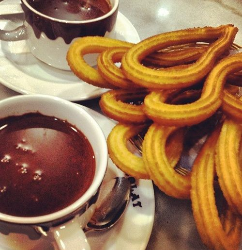 Chocolate con Churros in Madrid, a Sweet Tradition.