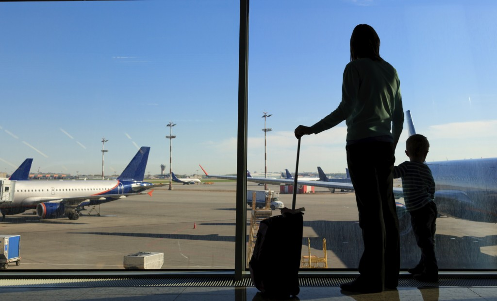 How to have a stress-free flight with children