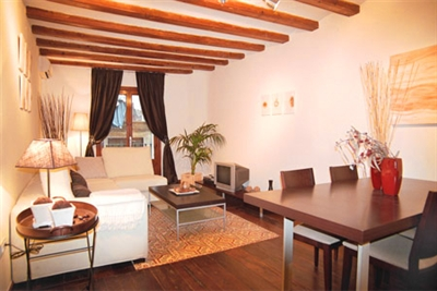 Da Vinci apartment; Friendly Rentals apartment of the week