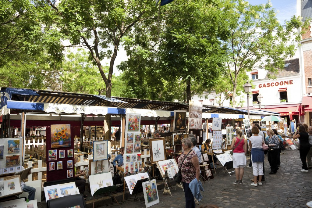 Watch the painters in Montmartre while spending 3 days in Paris